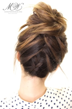How-to-cute-braided-messy-bun-on-yourself-hairstyle-tutorial